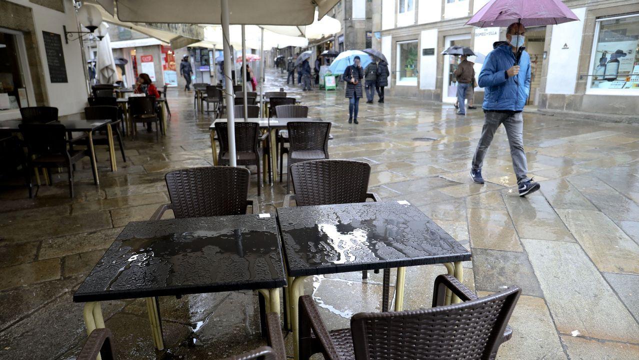 Las nuevas restricciones llegan a A Coruña.Los hosteleros se quejan de la criminalización de sus negocios