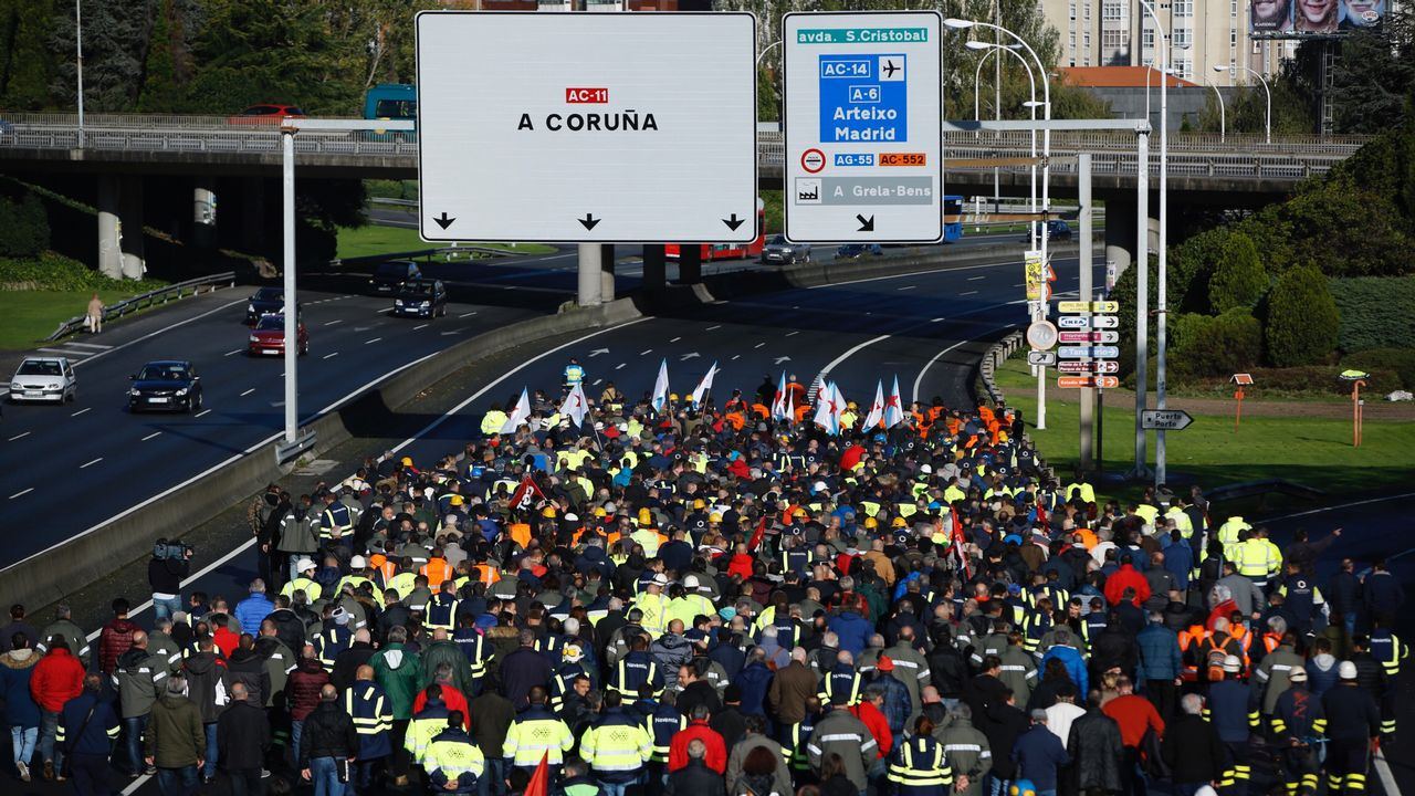 La manifestación de los trabajadores de las empresas auxiliares del naval, en imágenes