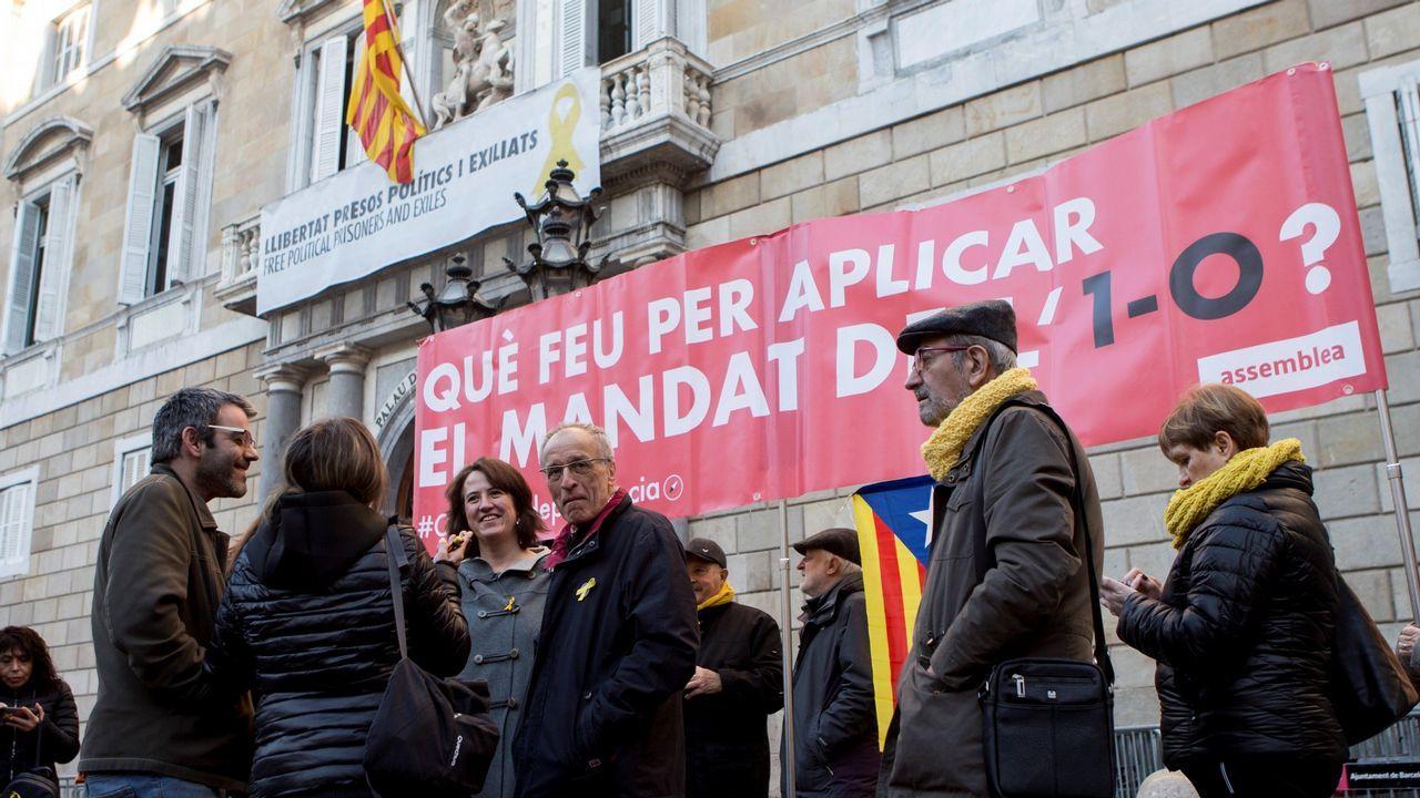 Torra, presionado por los suyos. La ANC ha convocado concentraciones diarias ante el palacio de la Generalitat para exigir a Torra que haga efectiva la declaración de independencia.