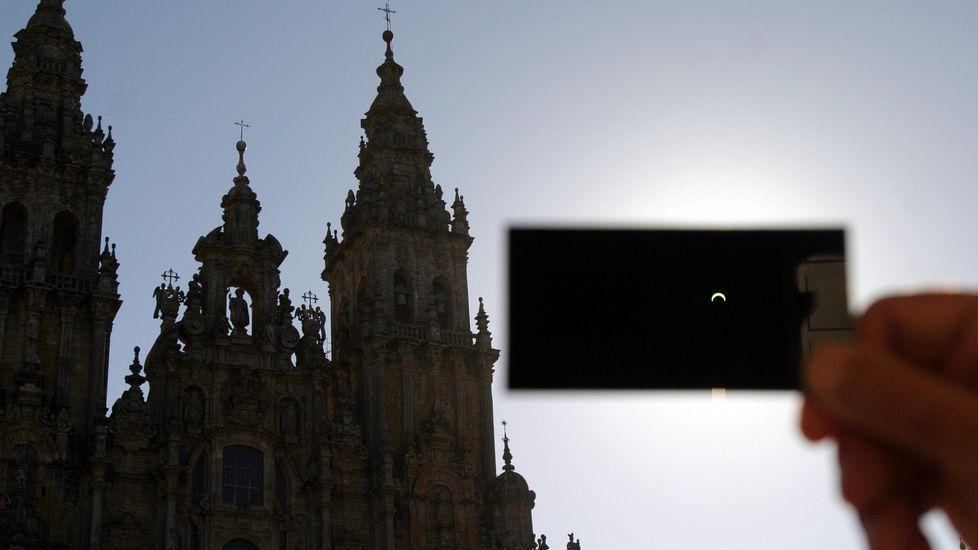 Observación de un eclipse solar en Santiago, en el año 2005
