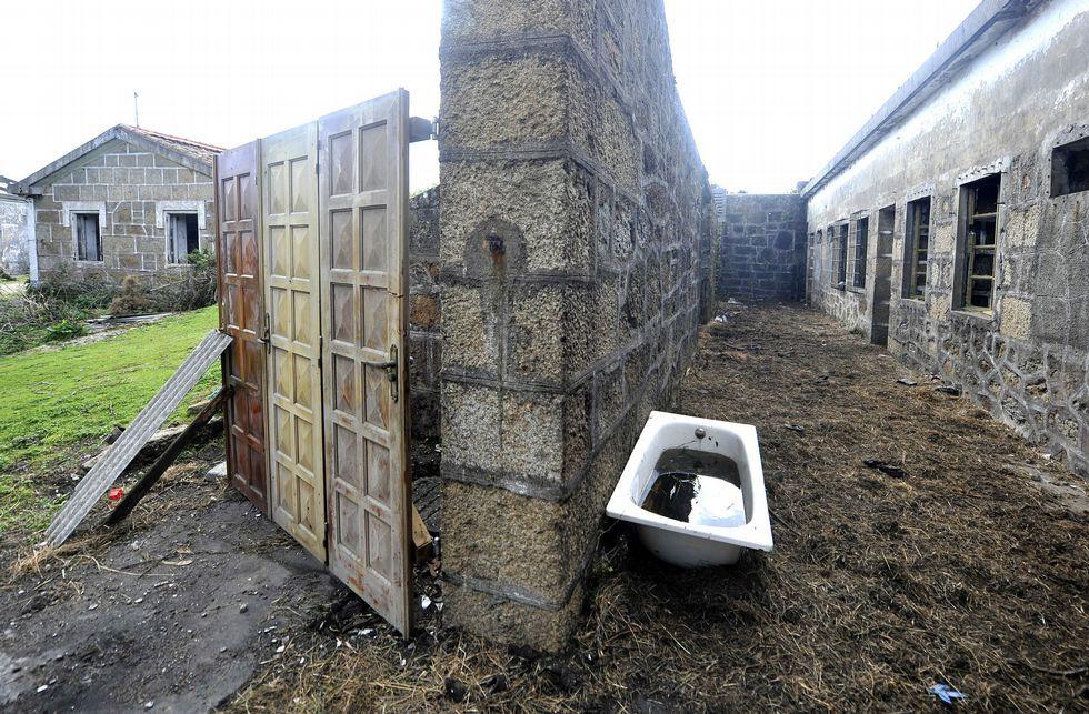 Imagen de una de las cuadras habilitadas en los restos de la antigua batería militar.