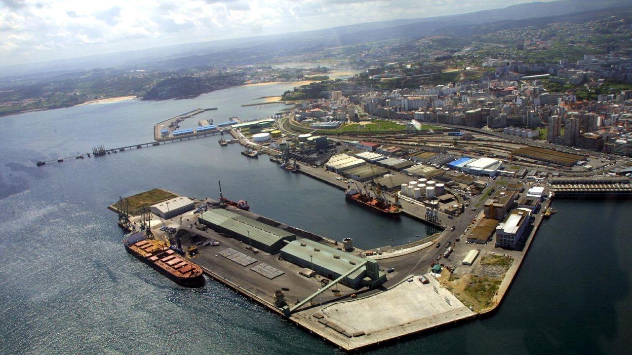 Vinoteca 9 Olmos.Vista puerto zona San Diego Coruña