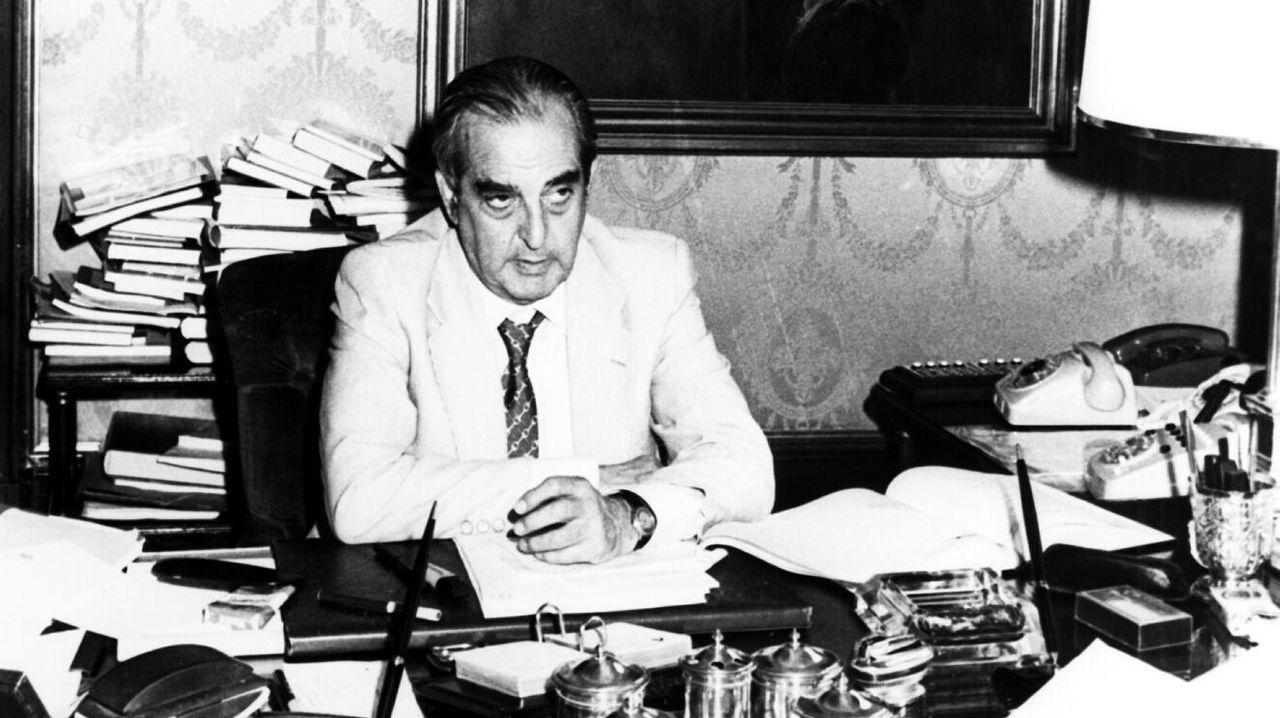 Imagen de Fernando Morán como ministro de Asuntos Exteriores