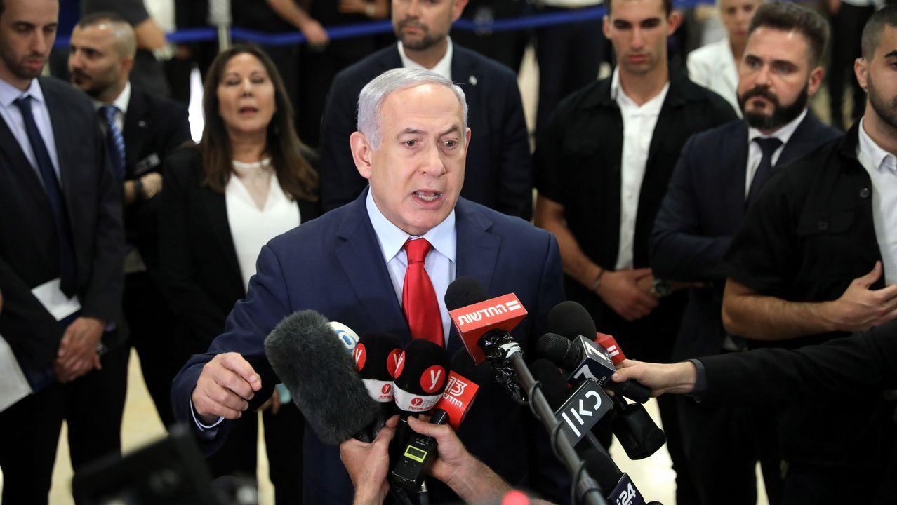 Netanyahu habla a la prensa en la Knesset, después del voto sobre un proyecto de ley para disolver el Parlamento israelí y asistir a las elecciones adicionales en Jerusalén