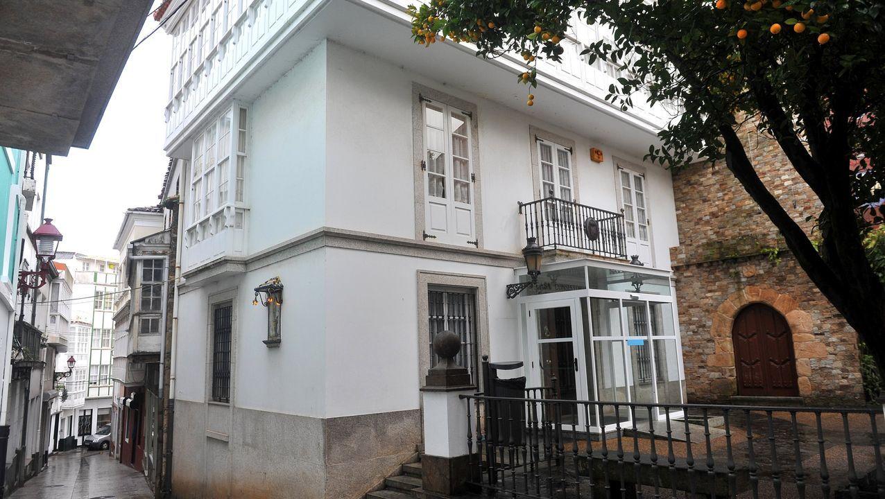 Así votaron los candidatos de Ferrolterra.Instalaciones del balneario de Mondariz hace más de cien años