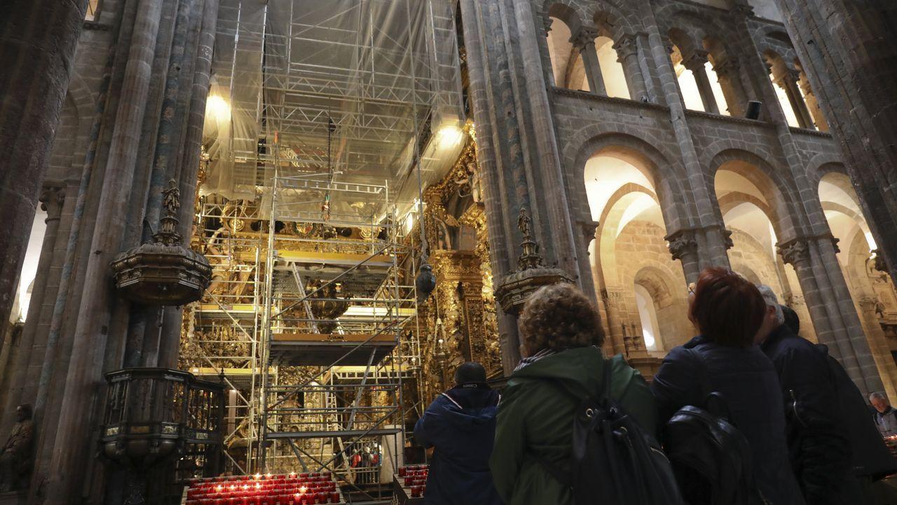 Obras de restauración en los tejados y en el interior de la Catedral de Santiago