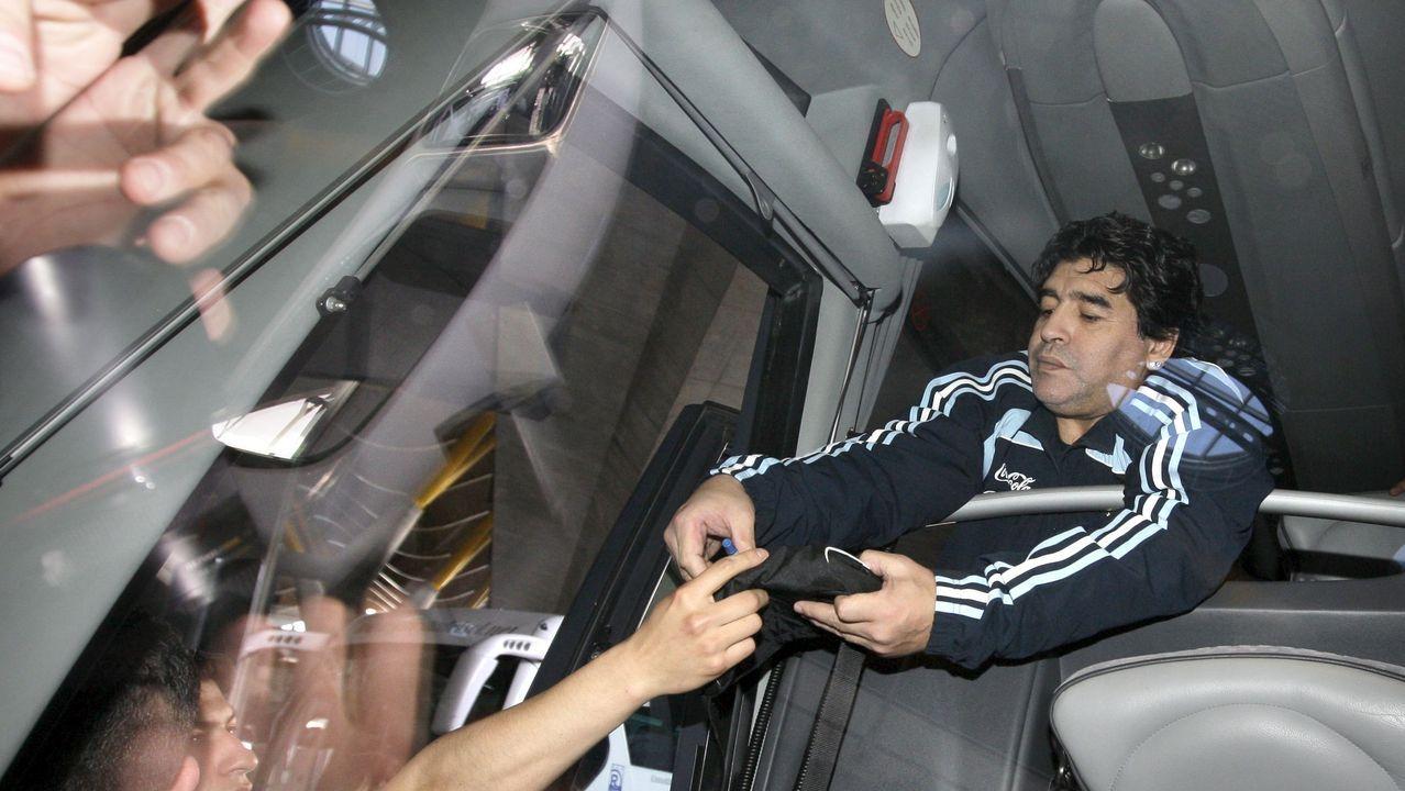 Firmando autógrafos en Madrid en el 2009