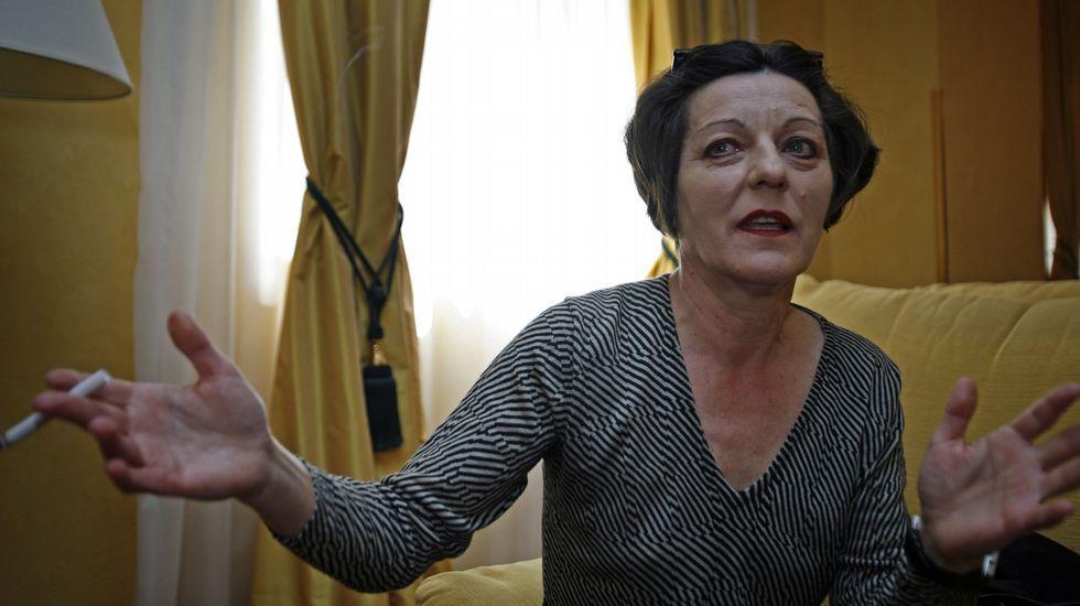 Solo cuatro ejemplos.NOBEL DE LITERATURA. La escritora rumano alemana Herta Müller (1953) padeció la grisura, las penurias y la persecución del régimen de Ceaucescu. En el 2009 el premio Nobel de Literatura reconoció su compromiso político y humano con las minorías humilladas.