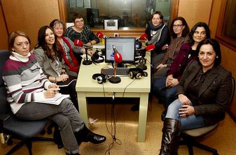 Pondal.Ocho mujeres de la Costa da Morte, de distintos sectores, debatieron en La Voz, sobre la situación femenina en la actualidad.