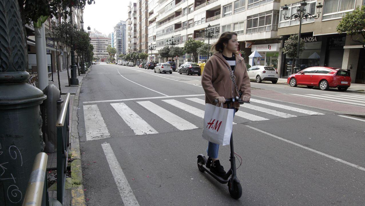 Protesta en los jardines de la Reina contra la ocupación del carril bici