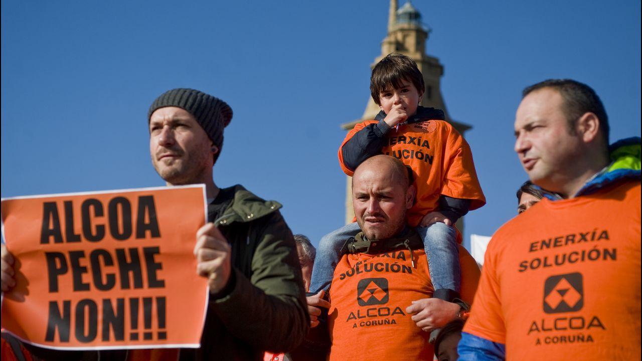 La marcha de los trabajadores de Alcoa, a su llegada a Oviedo