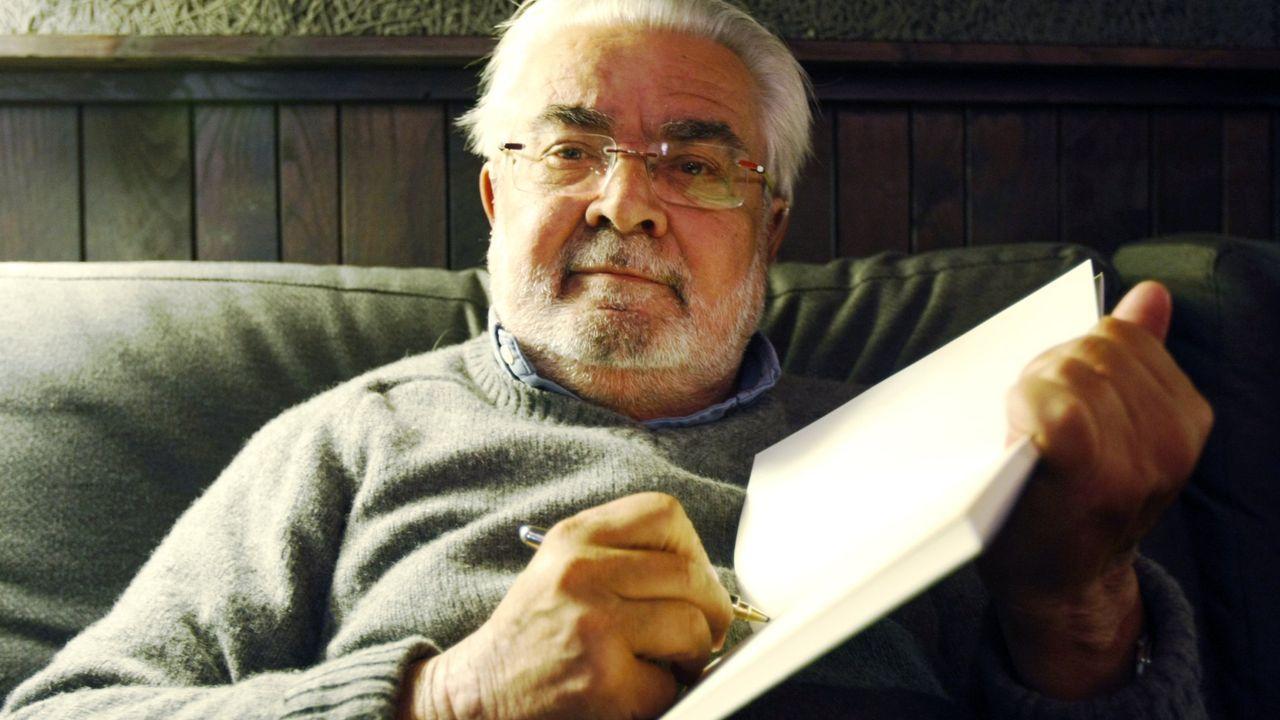Foto de arquivo do escritor Arturo Lezcano