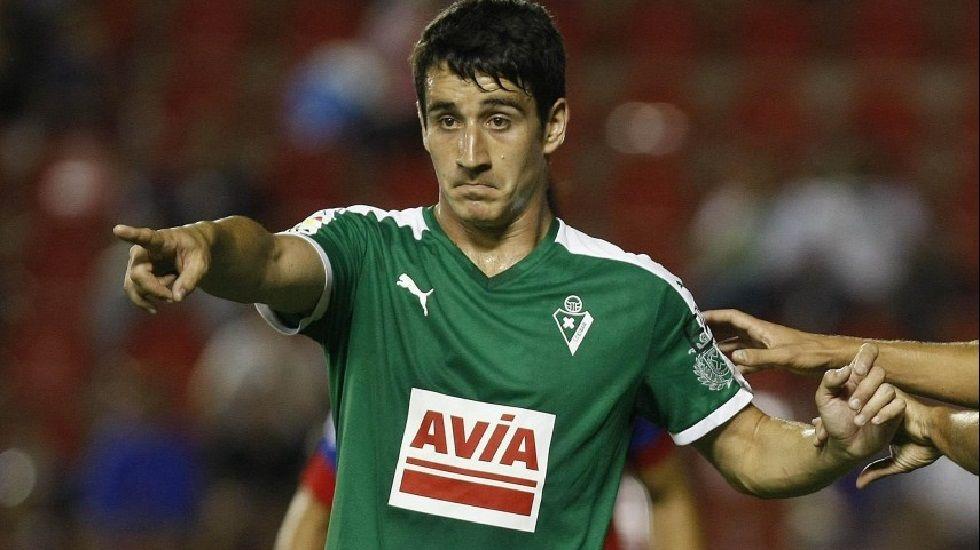 Luis Enrique y las quejas a los árbitros del Barça.Saúl Berjón en su etapa en el Eibar