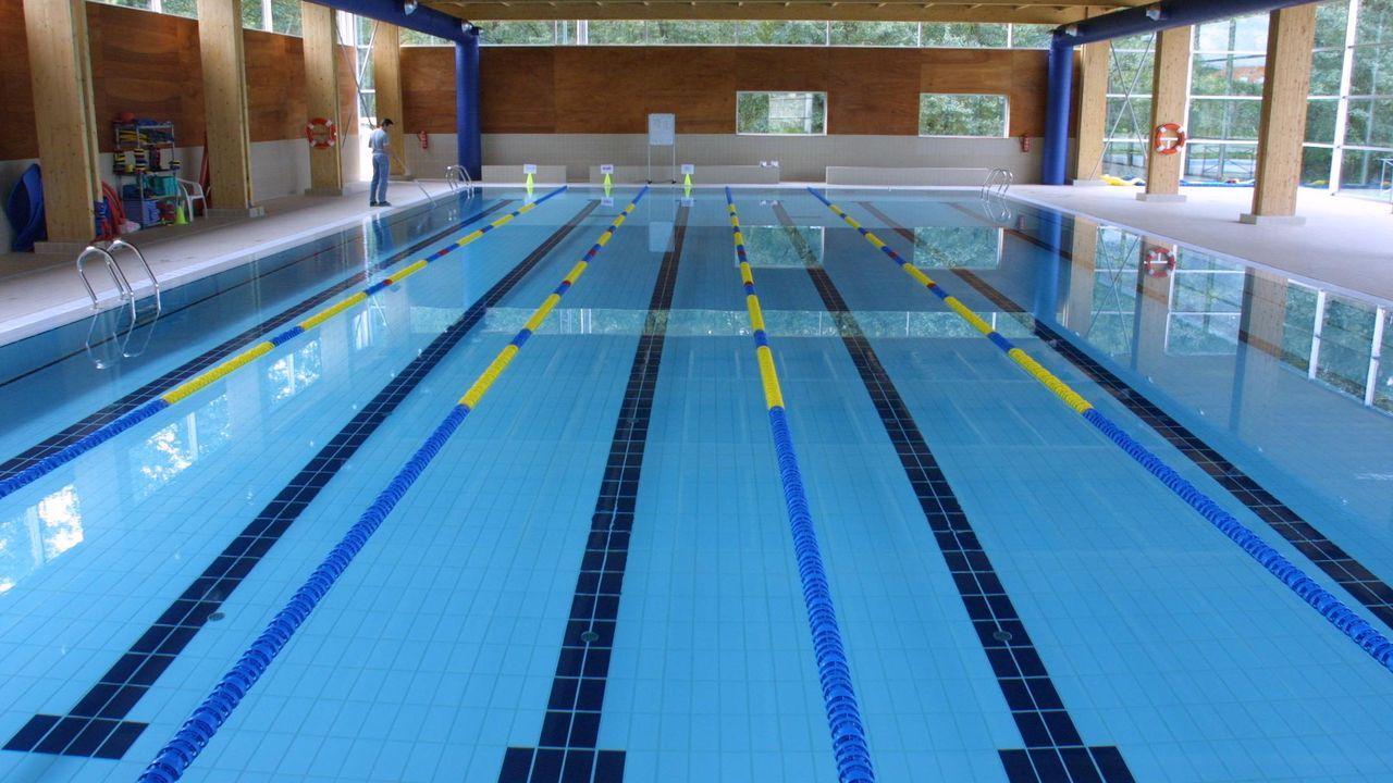 El vaso de la piscina climatizada todavía esperará una semana más pero desde el lunes 25 se abren las instalaciones deportivas, con acceso con cita previa al gimnasio