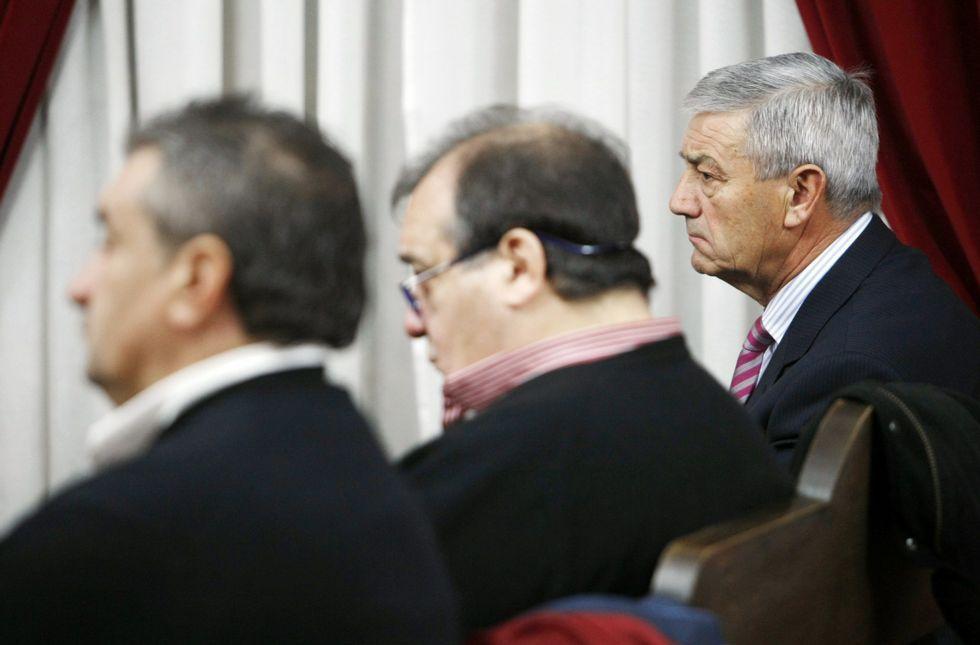 Sánchez Ruido, a la derecha, durante el primer juicio celebrado en la Audiencia en el 2013.