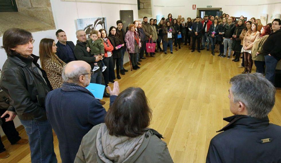 La muestra incluye obras de 44 jóvenes artistas.