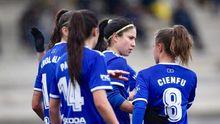 Gol Real Oviedo Femenino Atletico Arousana Diaz Vega.Las futbolistas azules celebran uno de los goles ante el Atlético Arousana