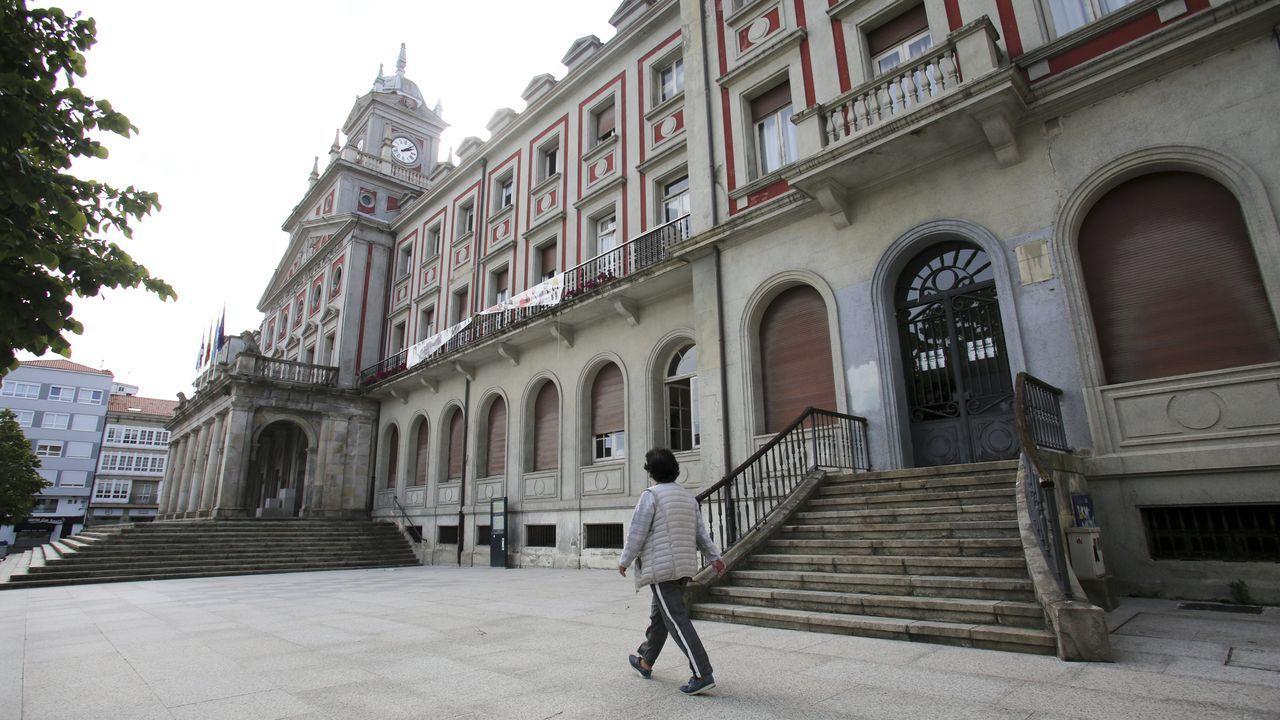 El reparto plenario del Ayuntamiento ferrolano se mantendría prácticamente invariable