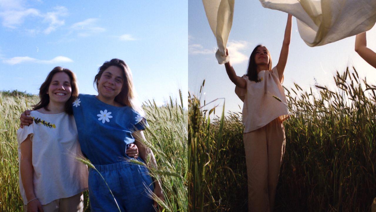 A la derecha, las hermanas pintor con algunas de sus prendas
