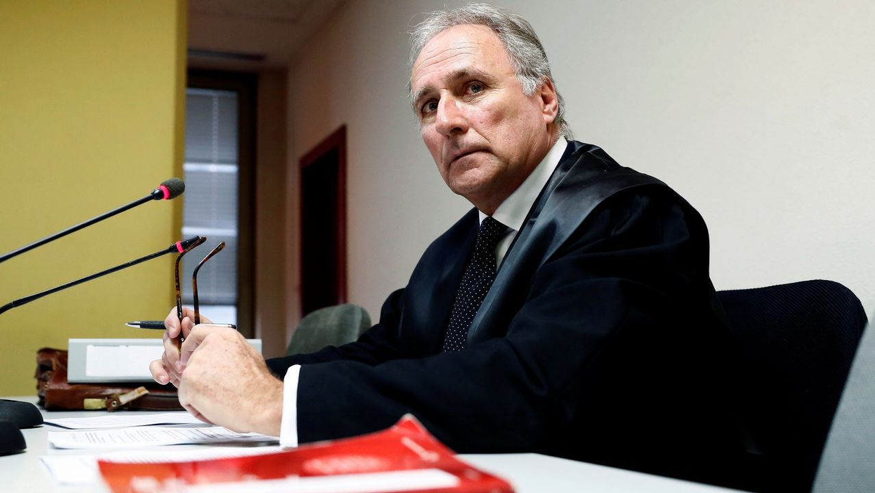 Abascal acusa a Pedro Sánchez de ser un «estafador profesional» ante los españoles.Juan José Aizcorbe, abogado de la familia Franco