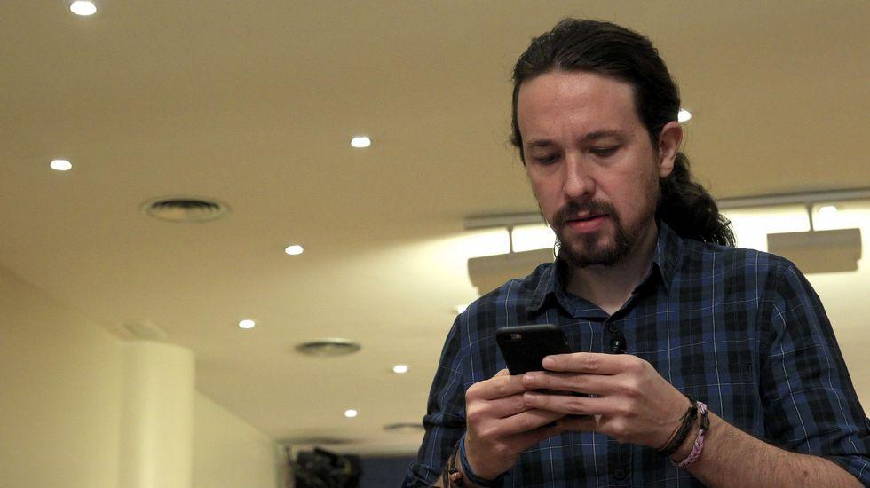 Antonio Virgili, director general de la RTPA.Iglesias, hoy en el Congreso