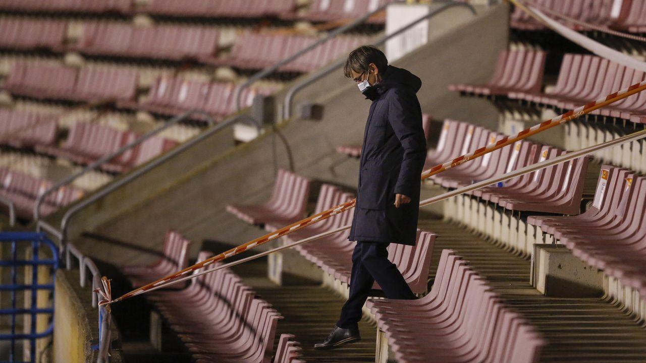 Las imágenes del partido entre el Pontevedra y el Celta B.Fernando Vázquez, el domingo en el estadio Vero Boquete