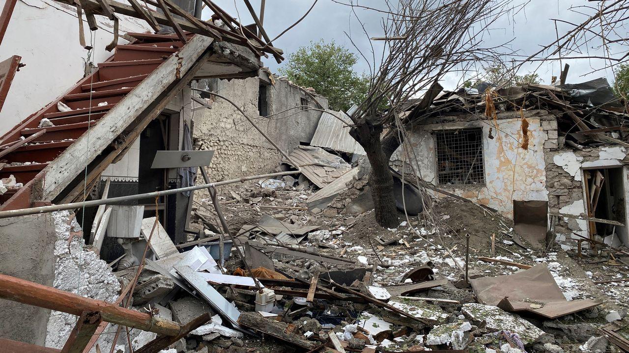 Destrozos en la población de Stepanaker (Nagorno Karabaj)