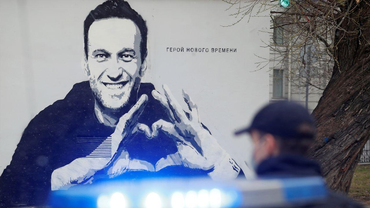 Grafiti de Navalni en San Petersburgo