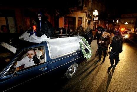 La diversión estuvo asegurada de noche en la Noite Meiga de Ribadavia.