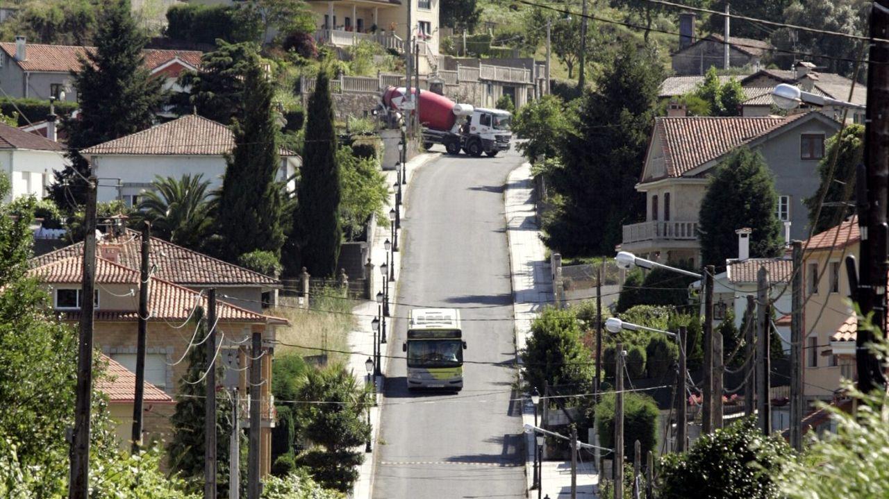 Filomena también se deja notar en Vigo.Monumento al médico rural en el concello de Cee