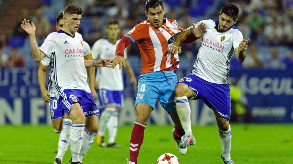 Embarba remata para anotar el 1-1 ante la oposición de Carlos Hernández