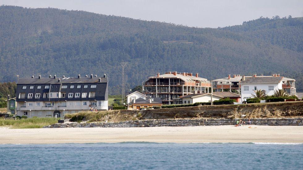 Concentración de jubilados en Foz.En el 2006 se intentaron construir en la costa mariñana de Barreiros unas 5.000 viviendas