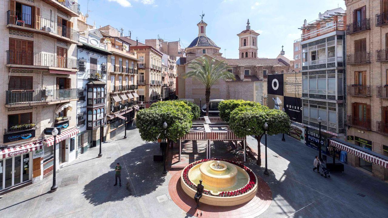 Aspecto de la Plaza de las Flores de Murcia este sábado