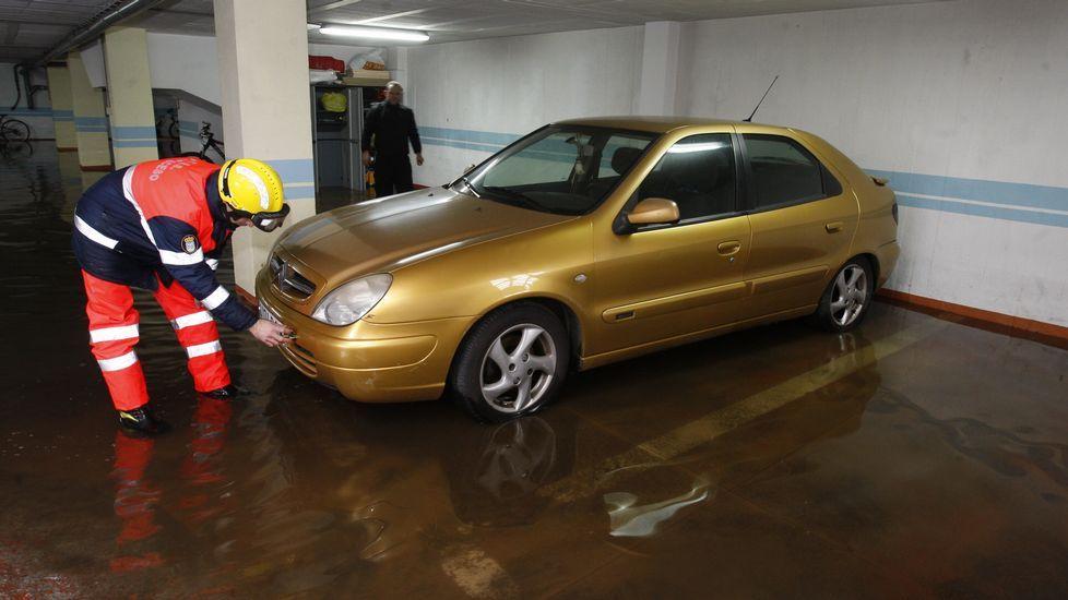 Garaje inundado en Ponteceso.