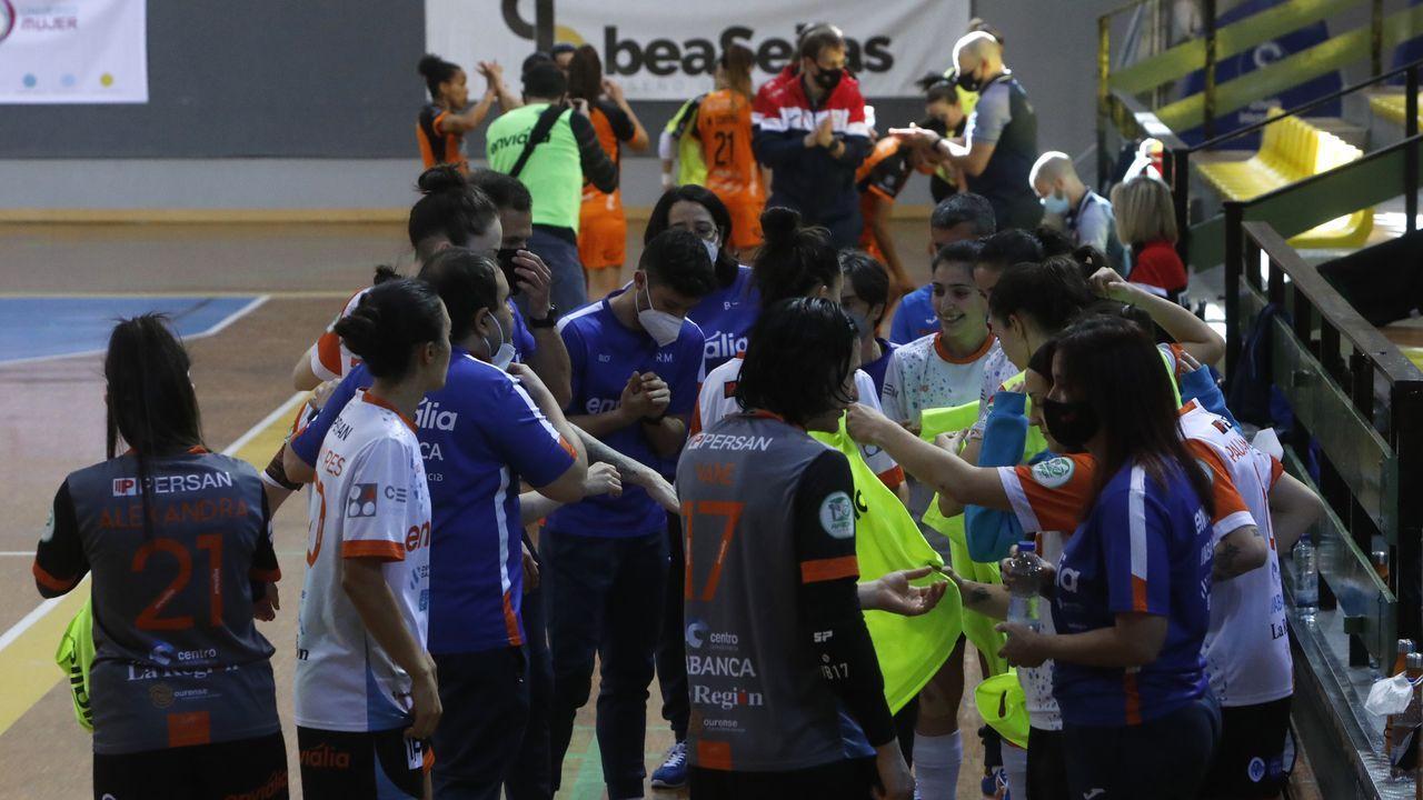 Las imágenes del Ourense - Burela, el derbi de fútbol sala femenino.Raúl Melo (UD Ourense) marcó los dos primeros goles del equipo local ante el Viveiro