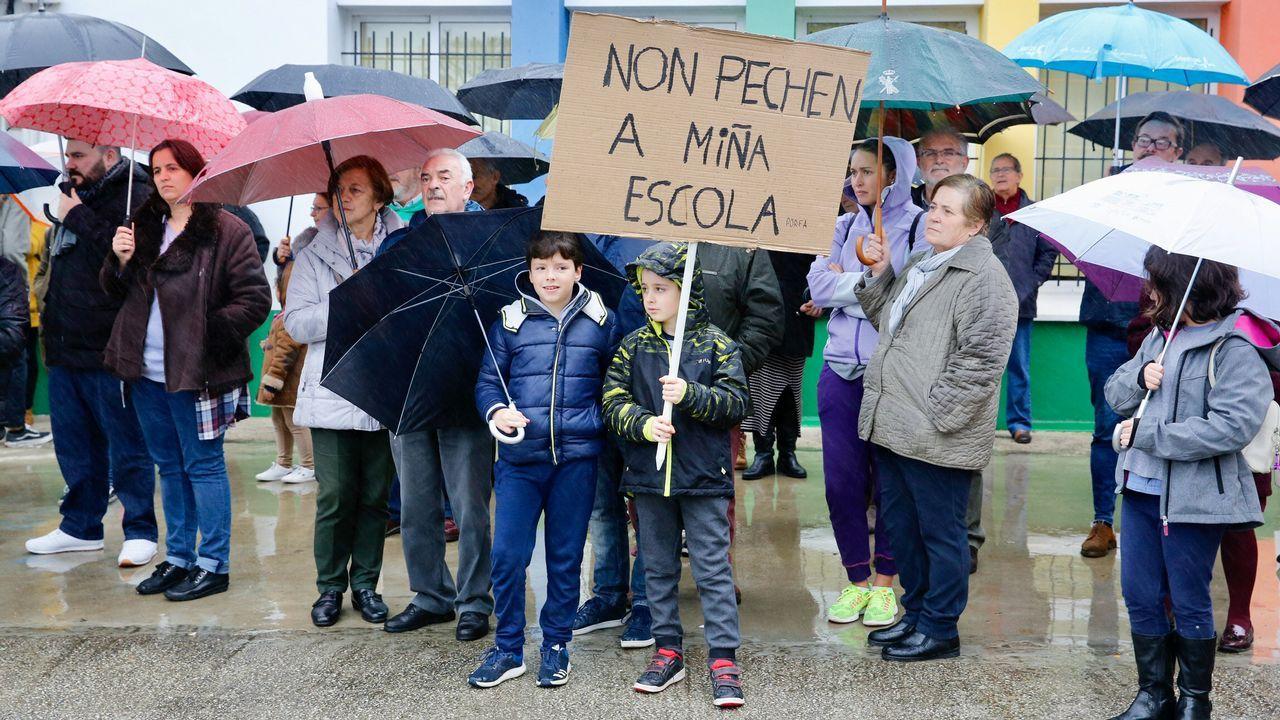 Carnoedo pide que la Xunta revoque el cierre de la escuela unitaria