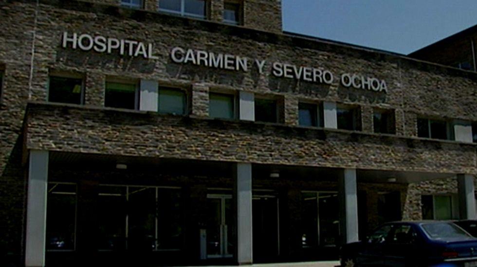 Barbón se estrena en la Universidad.Hospital de Cangas del Narcea