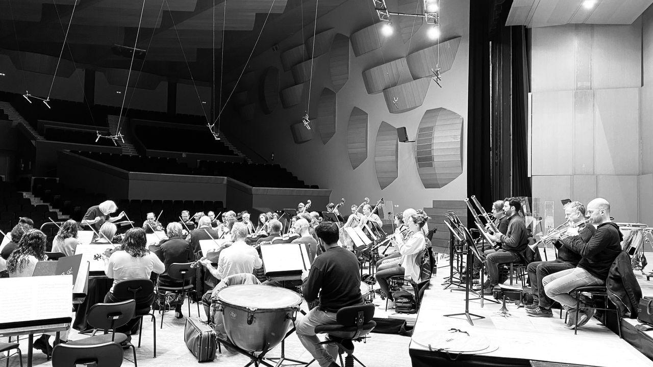 Suzuki y la Sinfónica, durante un ensayo