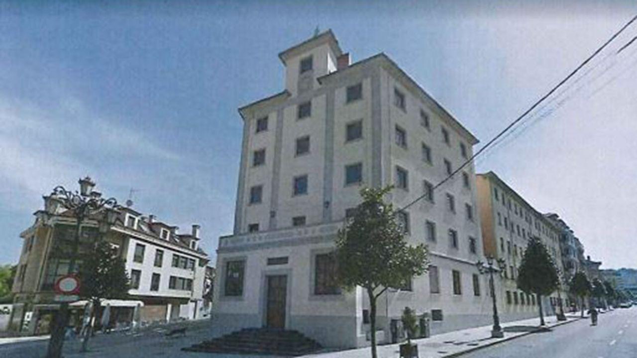 28 nuevos negativosdel retratista llanisco Baltasar Cue.Antigua residencia de oficiales Comandante Vallespín de Oviedo