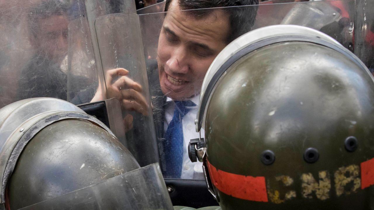 La pandemia en el mundo, en imágenes.Guaidó se enfrenta a agentes de la Guardia Nacional Bolivariano durante el intento del pasado enero de bloquear su entrada a la Asamblea Nacional