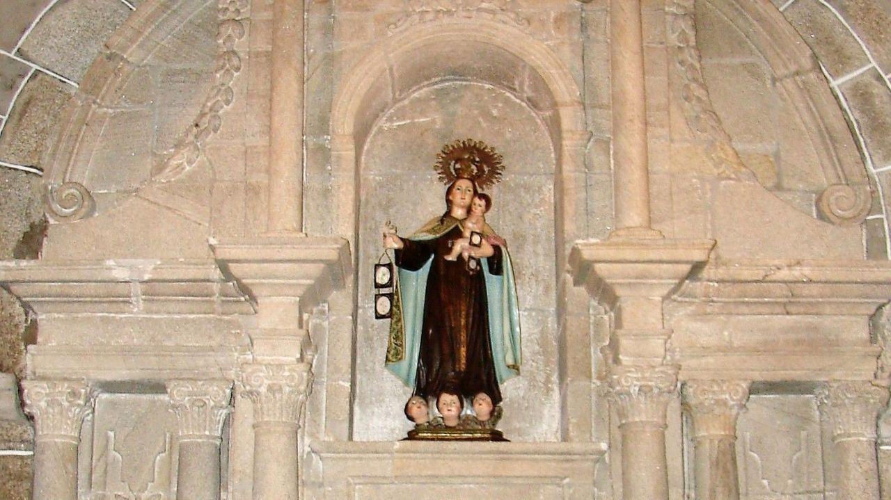 Los primeros Reyes Magos, en A Laracha, Coristanco y Zas: ¡mira las imágenes!.Comparsa de entroido no Couto, aló polo ano 2000