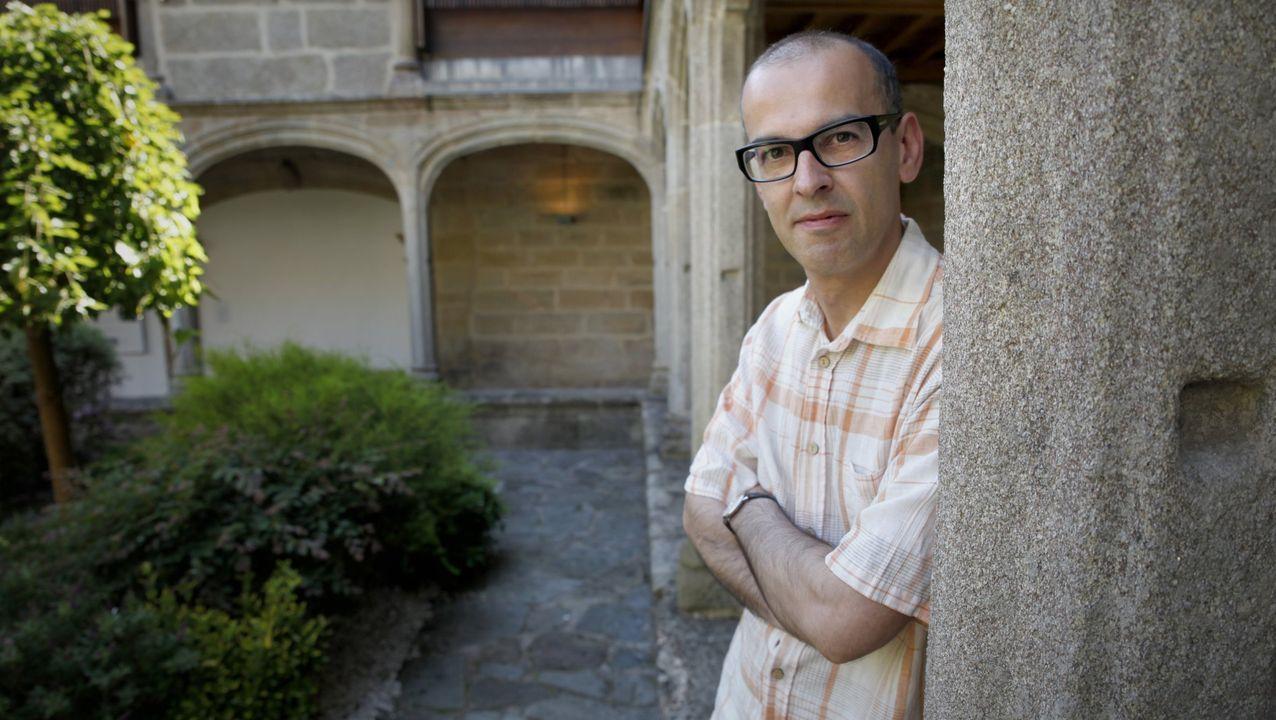 Martín Veiga publica un poemario e unha antoloxía en galego e inglés da súa obra