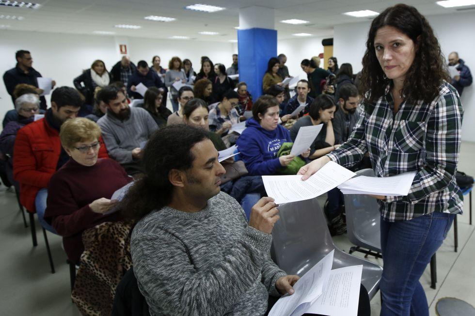 Alumnos del colegio Ramón de la Sagra de A Coruña vuelven al colegio después de las obras de la cubierta