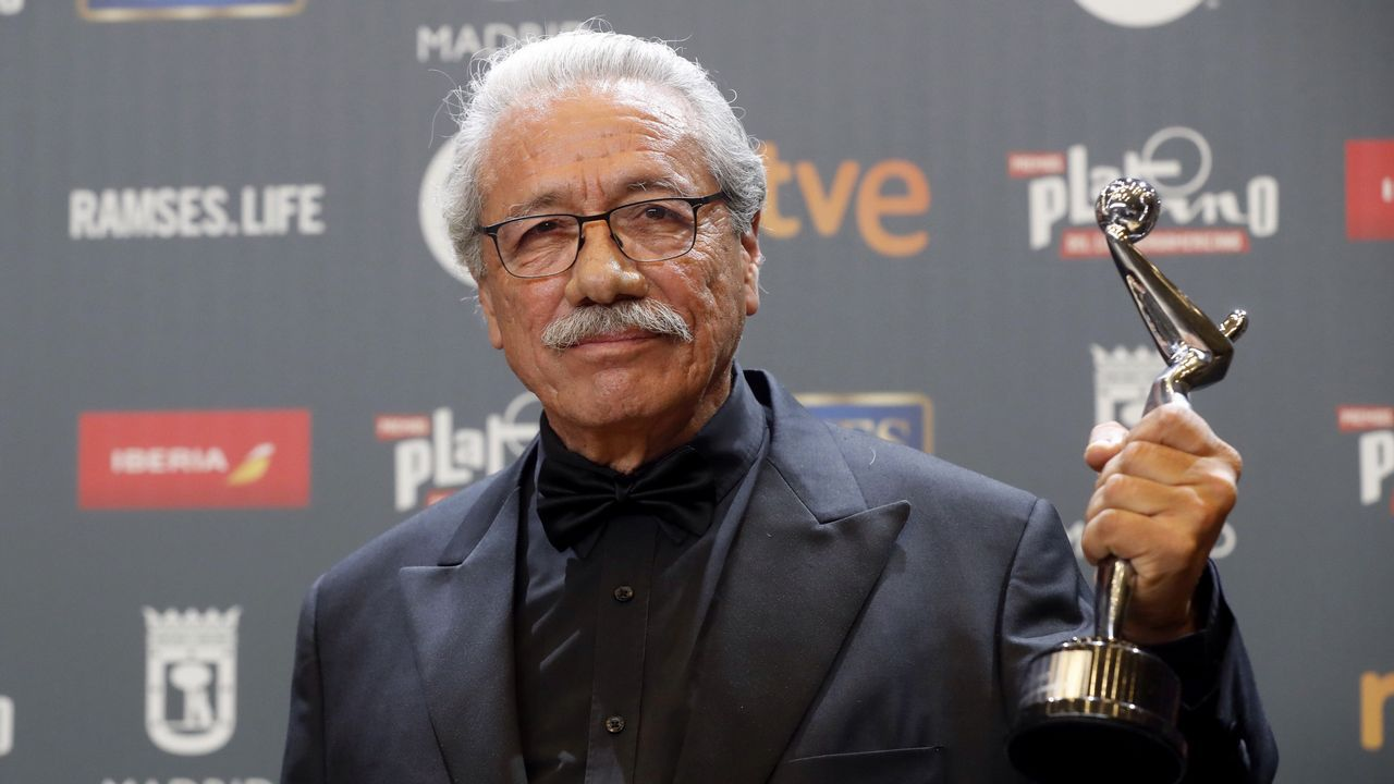 El actor y director estadounidense Edward James Olmos tras el premio Platino de Honor del cine Iberoamericano