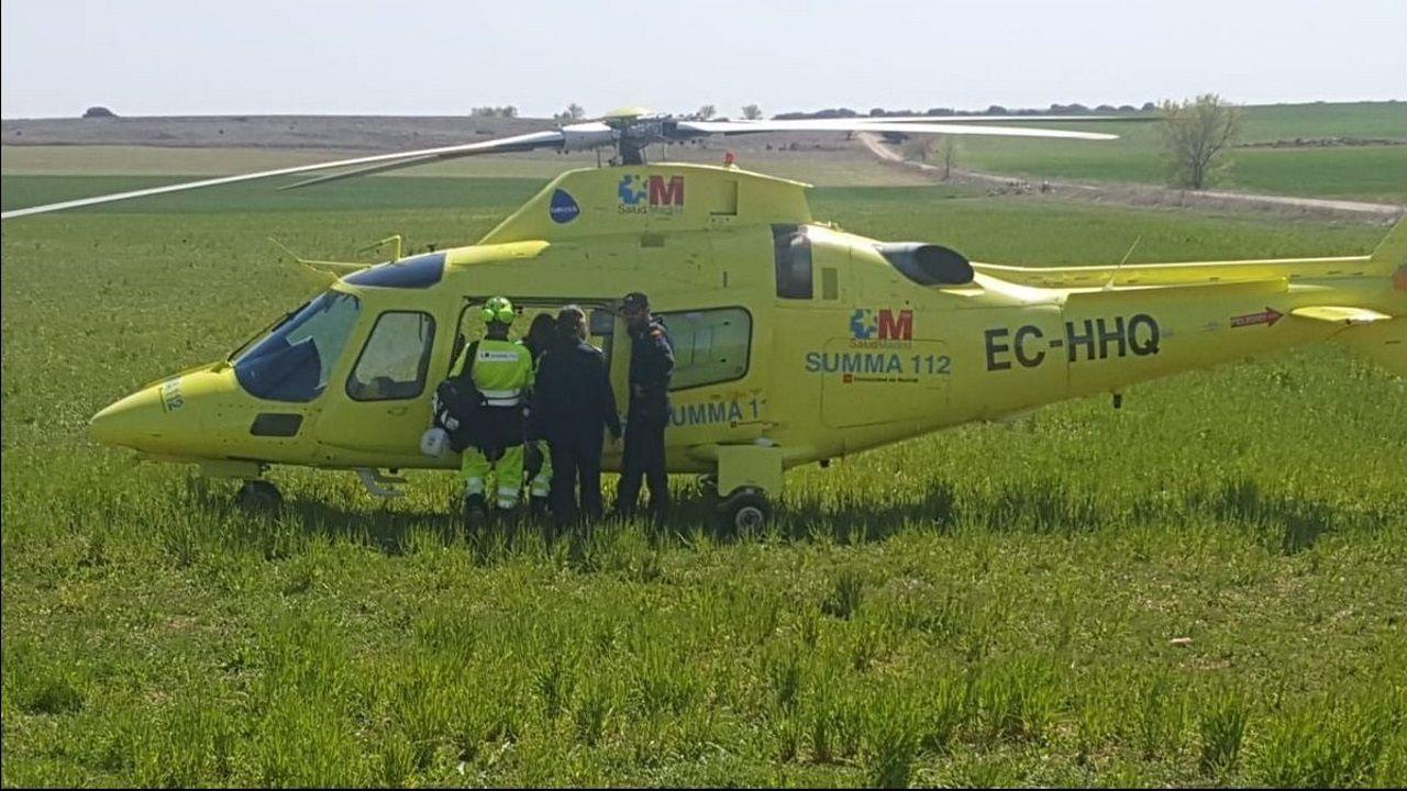 Accidente con un muerto en la N-120.Los sanitarios del 112 desplazados al lugar del accidente de Madrid solo pudieron certificar la muerte del ciclista