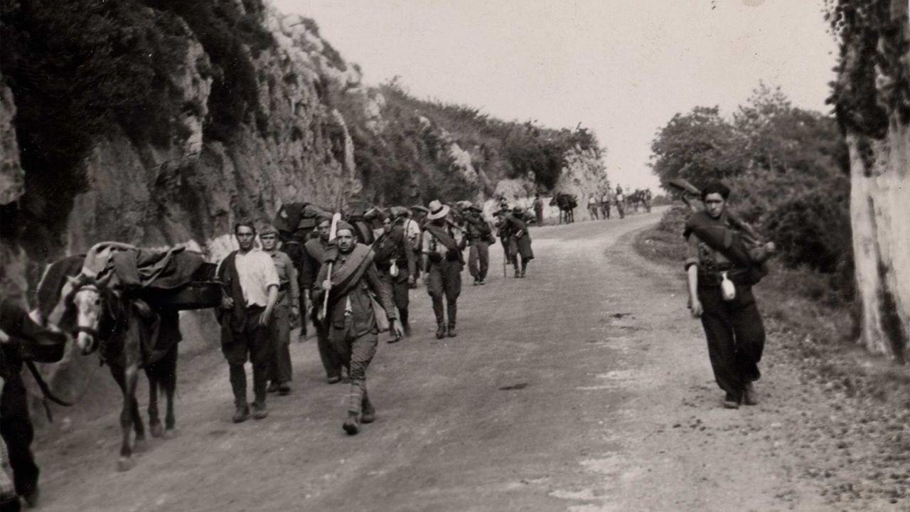 Los soldados entrando en Llanes