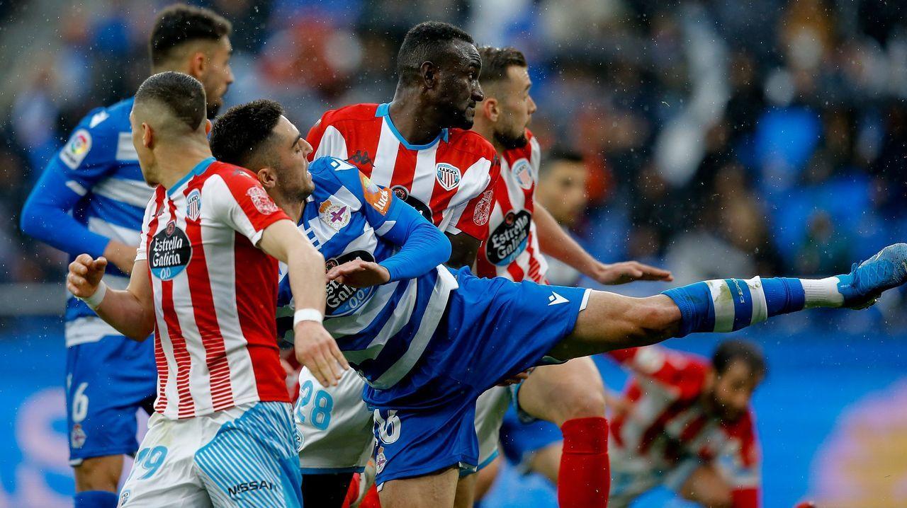 Todos los futbolistas con contrato con el Deportivo.Javi Rozada durante el Real Oviedo-Sporting
