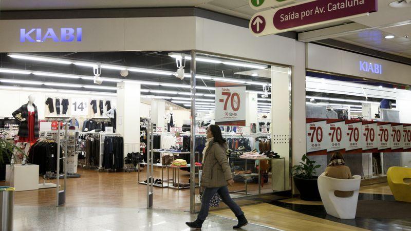 El centro busca unir locales para crear espacios más grandes para nuevas marcas.