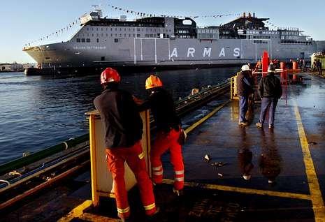 Terminan los lunes al sol.Barreras botó en enero del 2011 el último buque construido en Galicia con el viejo «tax lease».