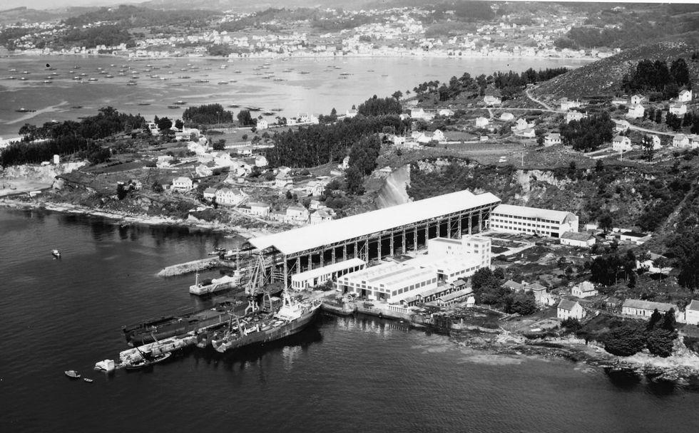Estaleiro de Ascón no lugar do Latón en Meira, durante os anos sesenta.